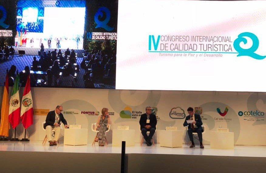 En el congreso participaron también los máximos gestores del Turismo de País Vasco (Alfredo Retortillo), Galicia (Nava Castro), Asturias (Julio Manuel González Zapico) y la ciudad de Valencia (Toni Bernabé).