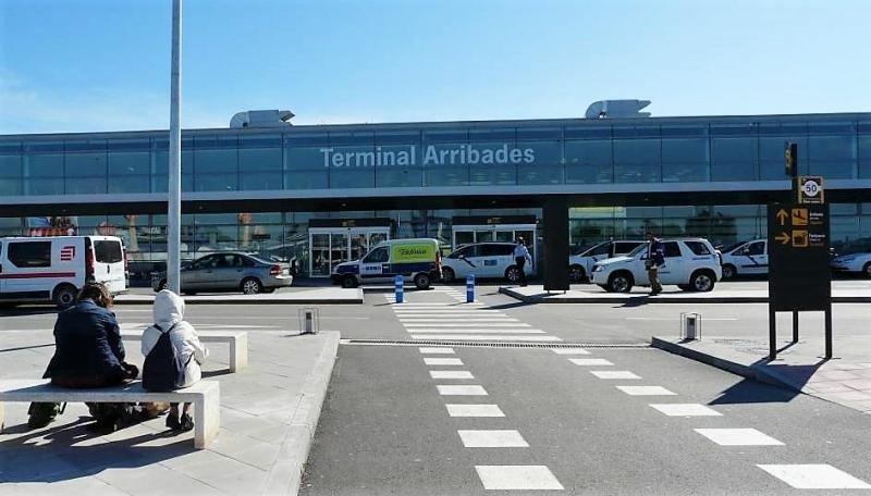 El Aeropuerto de Reus apuesta por conexiones avión bus