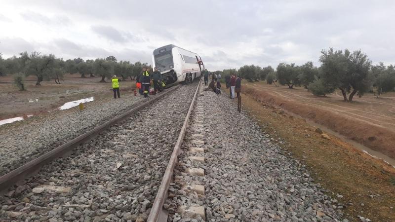 Al menos 21 heridos al descarrilar un tren en al ruta Mála-Sevilla
