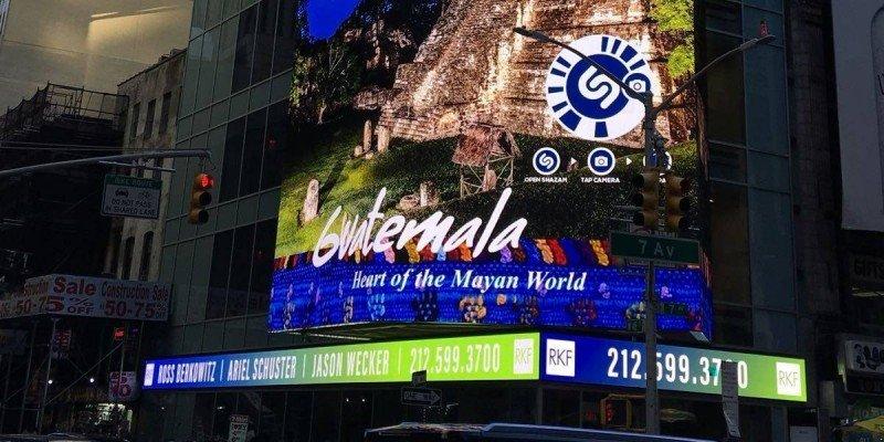 Publicidad de Guatemala en pantallas de Times Square, Nueva York.