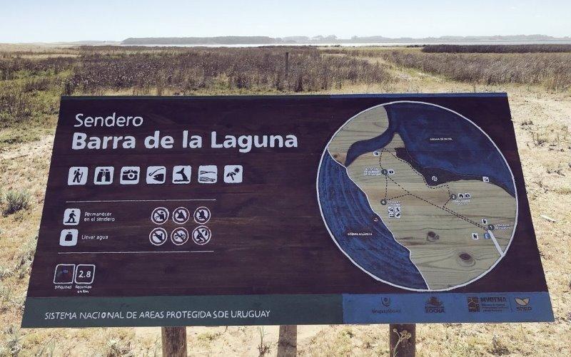 Nuevo sendero guiado por guardaparques en un área protegida.