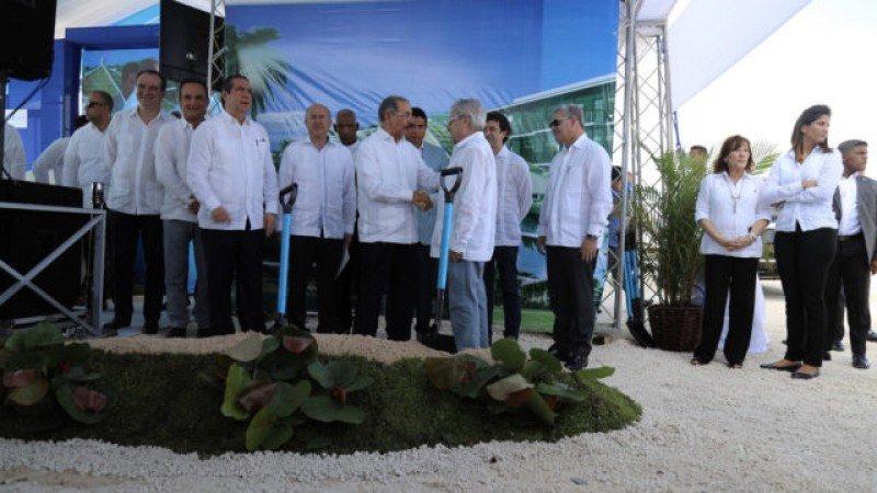 Inicio de obra del nuevo hotel en El Faro, Uvero Alto, República Dominicana.