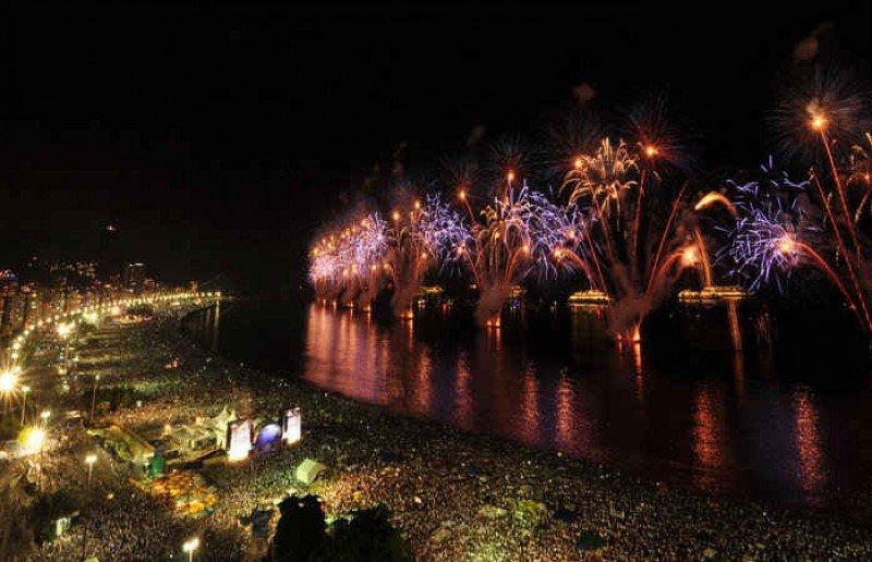 Río espera 2,7 millones de personas en su tradicional fiesta de Año Nuevo