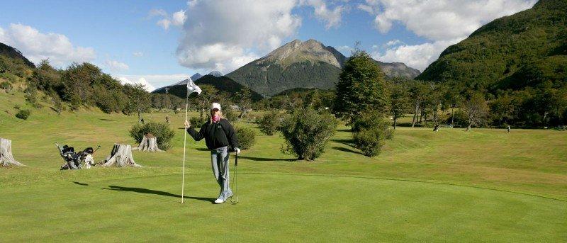 En Ushuaia se encuentra el campo de golf más austral del mundo.