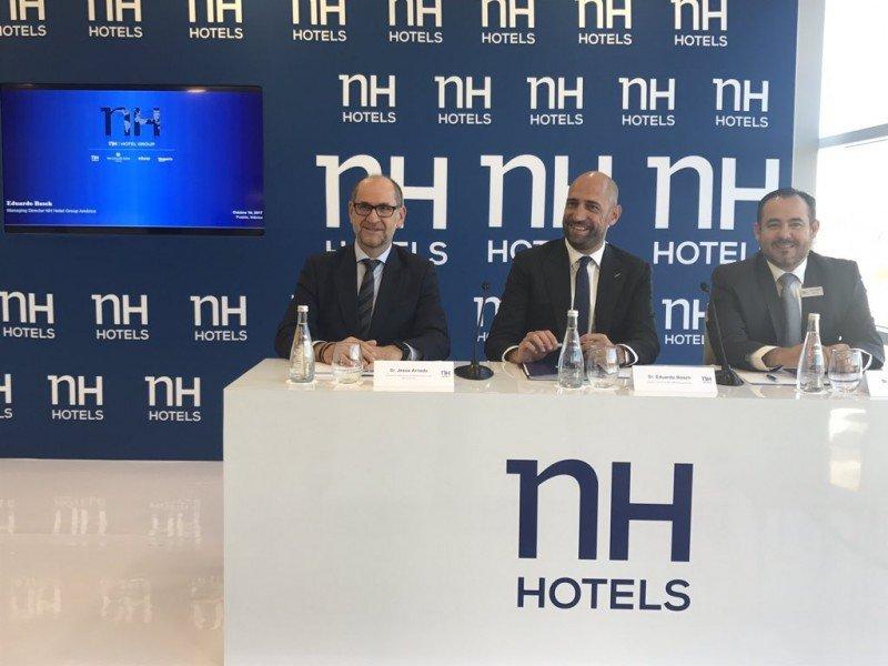 En inauguración en México, director para América Eduardo Bosch, Director de Operaciones de NH México, Juan Jesús Arnedo y el Director de NH Puebla Finsa, Alejandro Silva.