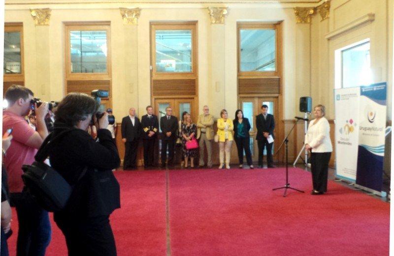 Ministra Liliam Kechichian en el lanzamiento de la temporada de cruceros en Montevideo. Foto: J. Lyonnet.