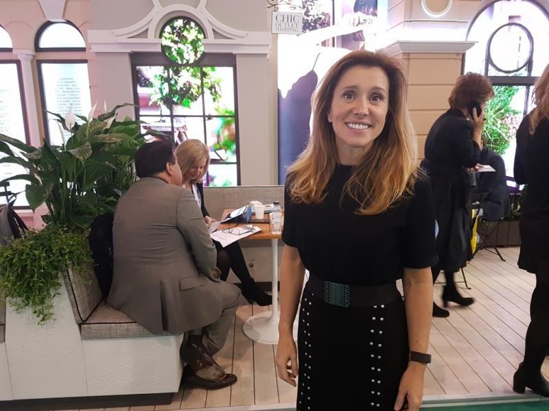 Sonia Prieto, nueva directora de Turismo de Value Retail para España, fotografiada en la feria IBTM que tuvo lugar en Barcelona.