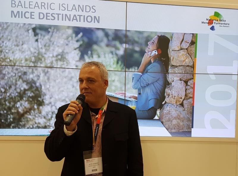Jaume Alzamora, director de la Agencia de Turismo de Baleares, en la feria IBTM de Barcelona la semana pasada.
