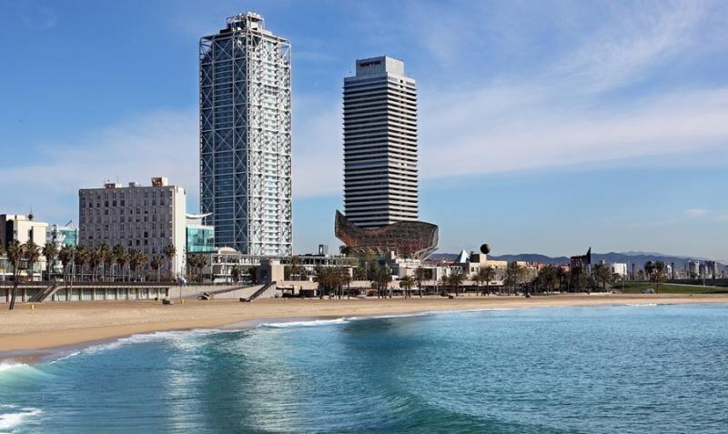 Los ingresos de los hoteles de Barcelona seguirán en caída en 2018