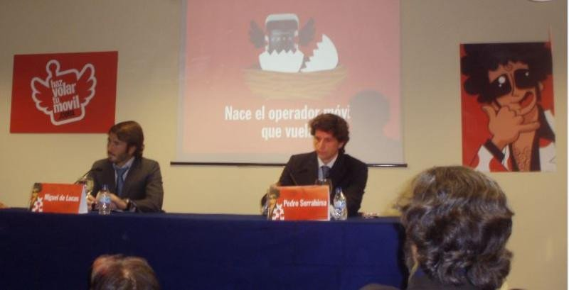Pedro Serrahima (Dcha.) en la presentación de Pepephone, en diciembre de 2007. Diez años después fue director general de Globalia durante casi un año.
