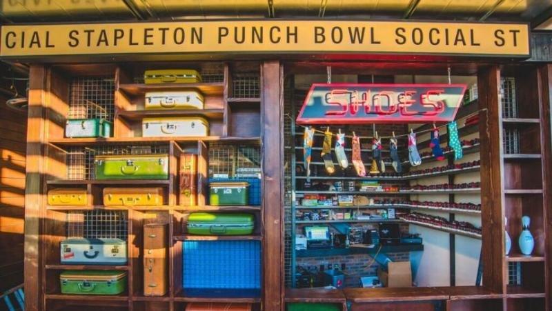 La oferta del nuevo centro incluye bowling  (Foto: CNN/Cortesía de Amber Boutwell, Punch Bowl Social).