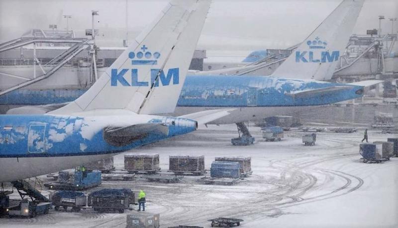 Foto archivo. Aeropuerto de Ámsterdam Schiphol tras una nevada en un año anterior.