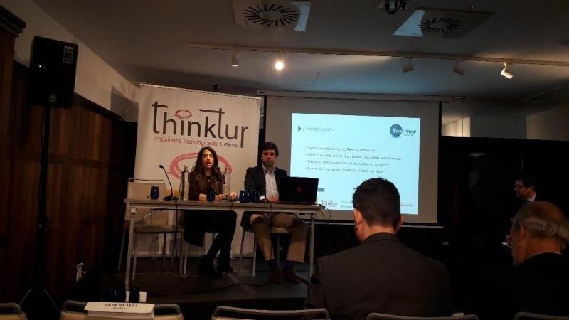 Ana Pizarro, de TravelLoop, y Francisco Gutiérrez-Soto, de BeCheckin by Inserta Group.