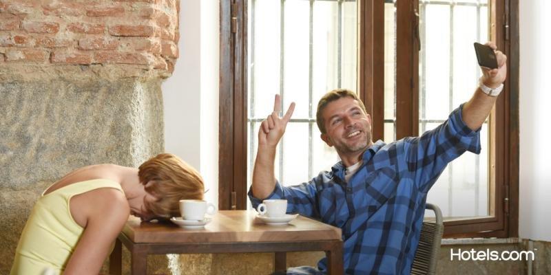 El 9% admite que preferiría viajar con su teléfono móvil antes que con su pareja.