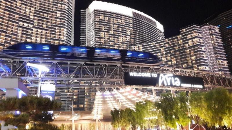 El hotel Aria Resort and Casino donde me alojé, un establecimiento de 4.004 habitaciones, 16 restaurantes y 14.000 metros cuadrados de casino. ¡Todo a lo grande, como hacen aquí las cosas!