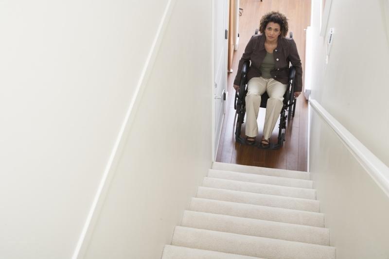 Los viajeros con algún tipo de movilidad reducida siguen enfrentándose a múltiples barreras.