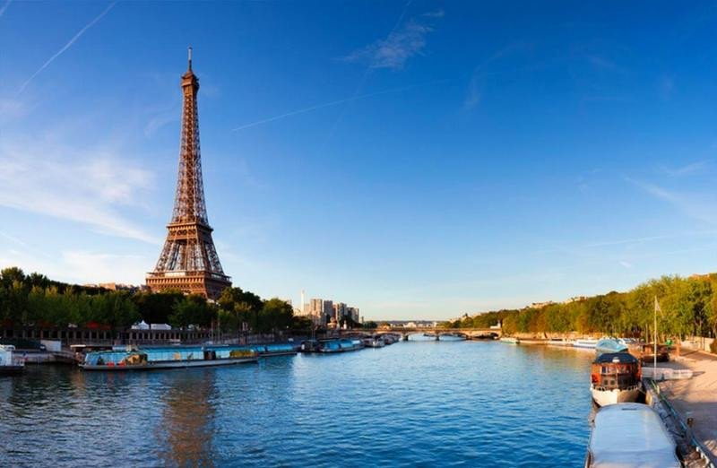 Booking sí cumple con París: elimina la oferta ilegal de su web