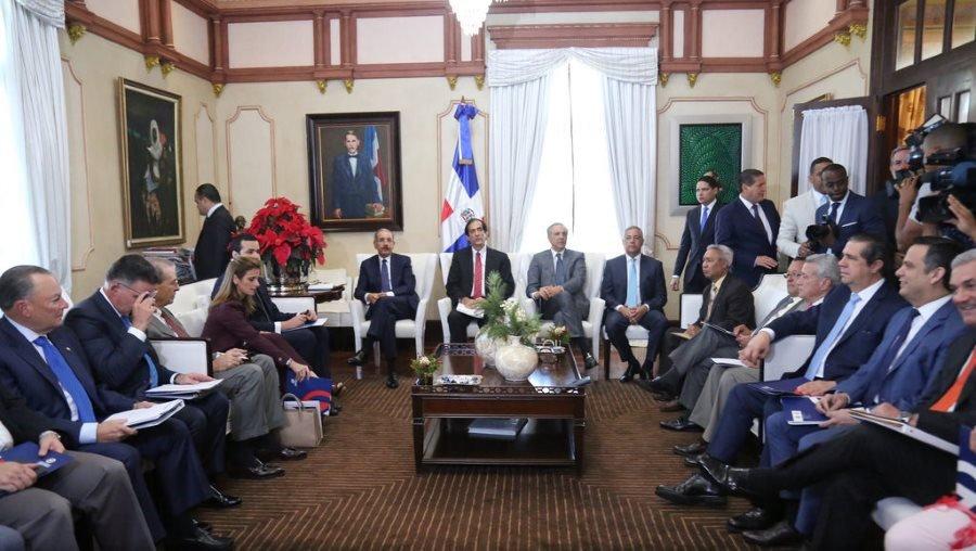 El presidente Danilo Medina encabeza la segunda sesión ordinaria del pleno del Consejo Nacional de Competitividad.