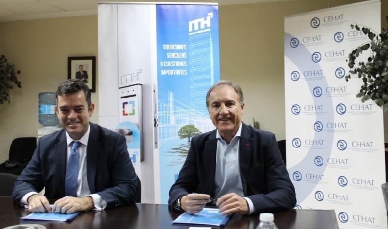 De izq. a dcha, Álvaro Carrillo, director general del ITH; y Juan Pablo Yagüe, director general de Serban Biometric, en la firma del acuedo de adhesión al Instituto.