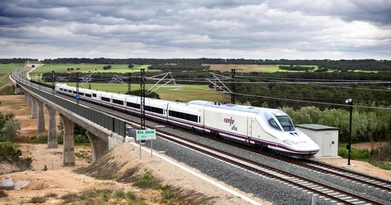 La primera fase del tramo Monforte del Cid-Murcia, de la Línea de Alta Velocidad Madrid-Levante, finalizará en primavera.