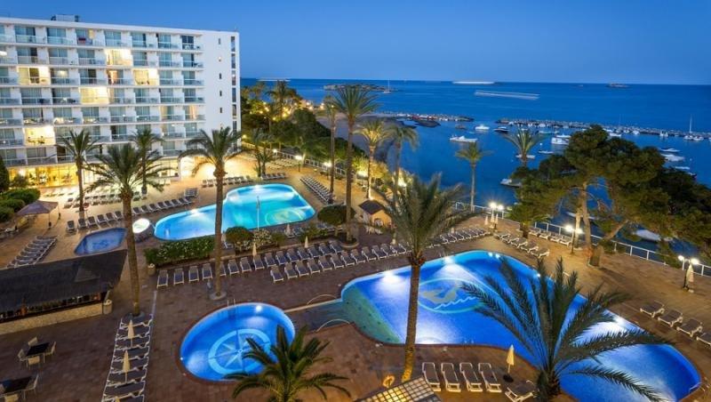 Los hoteles de Ibiza critican el 'privilegio' de sus homólogos menorquines