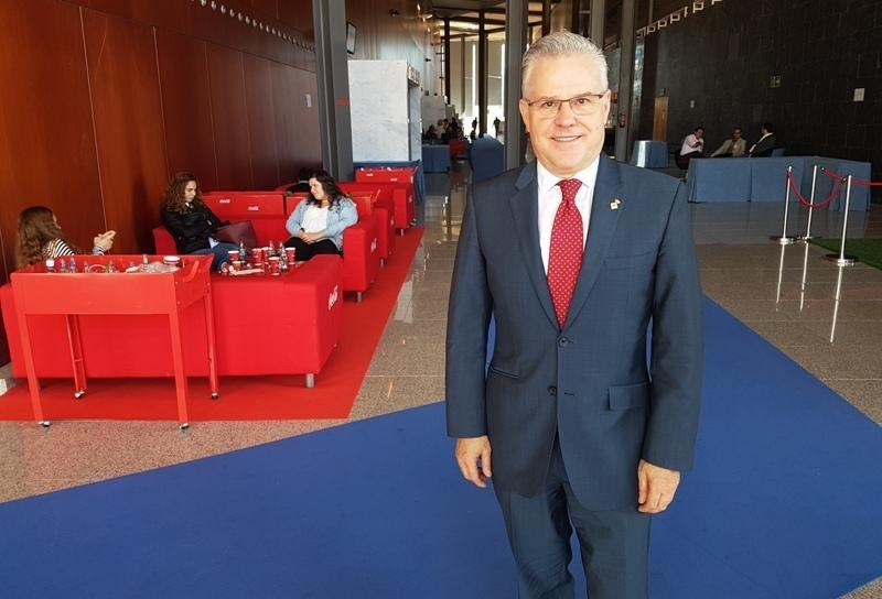 Pere Granados, alcalde de Salou, fotografiado en el Foro Internacional de Turismo de Maspalomas, Gran Canaria, donde tuvo lugar esta entrevista.
