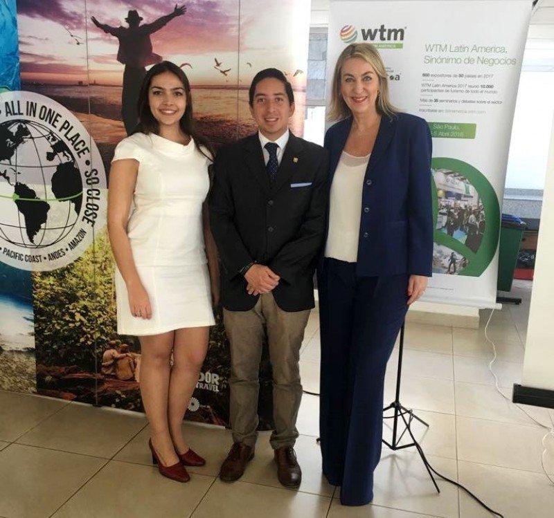 En la reunión de WTM Latin America en Quito: Claudia Delfino, Xavier Rueda, Luciane Leite