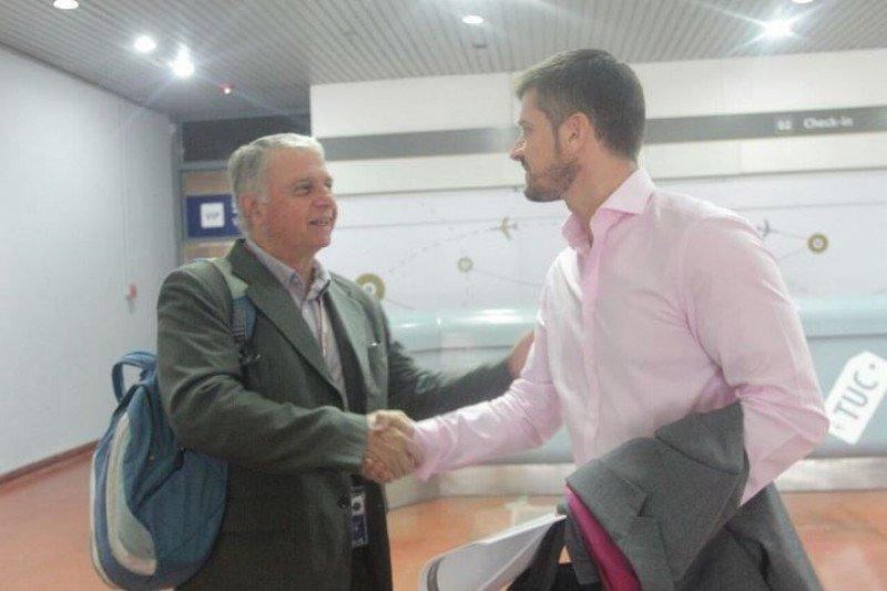 Gustavo Camandule (jefe de Implementación de Aeropuertos de Avianca Argentina) y Sebastián Giobellina (Presidente Ente Tucumán Turismo)