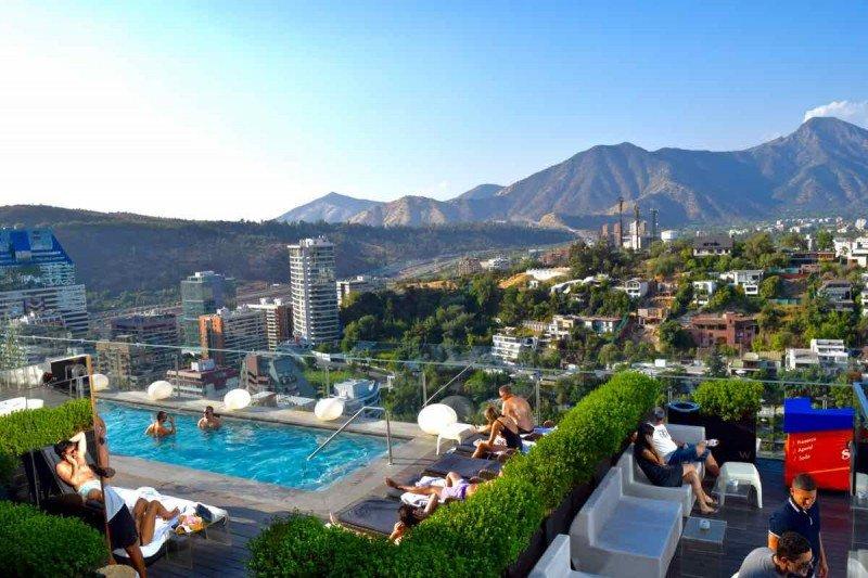 Chile: crece 13,4% la demanda hotelera en Santiago y cae 24% en las regiones