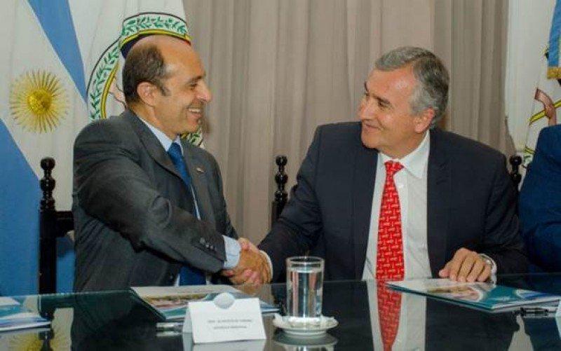 Izq a der: Aldo Elías (Presidente de AHT) y Gerardo Morales (Gobernador de Jujuy).