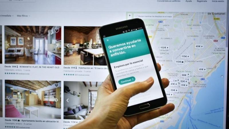 En España el Consejo de Ministros aprueba que Airbnb identifique a inquilinos y caseros