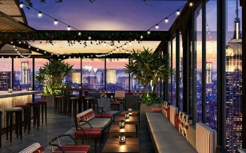 La terraza del Moxy Times Square es la más grande de la ciudad abierta todo el año, y está inspirada en el mismo concepto de diversión que un parque de atracciones.