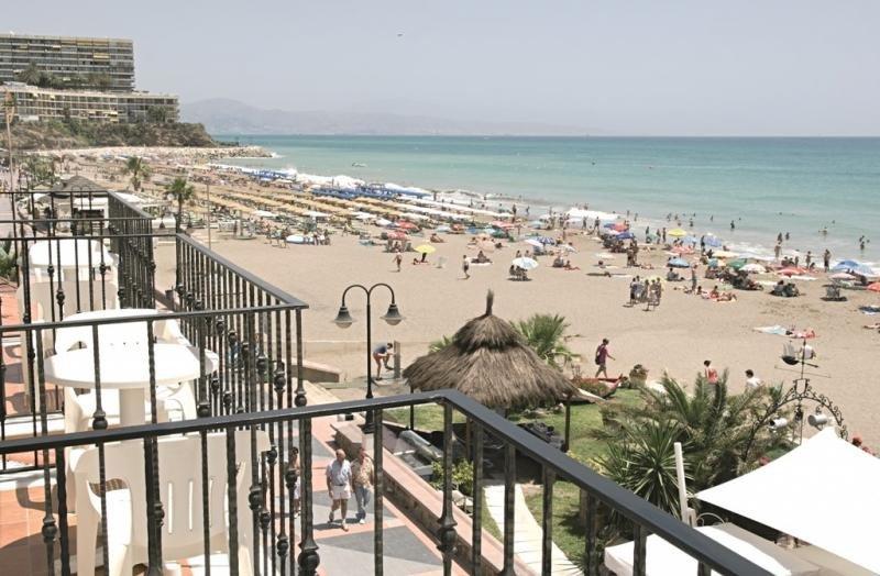 Panorámica de la Playa de la Carihuela, Torremolinos. Foto: José Hidalgo / Patronato de Turismo de la Costa del Sol