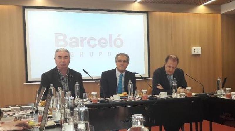 De izq. a dcha, Álvaro Pacheco, Raúl González y Jaime Buxó.