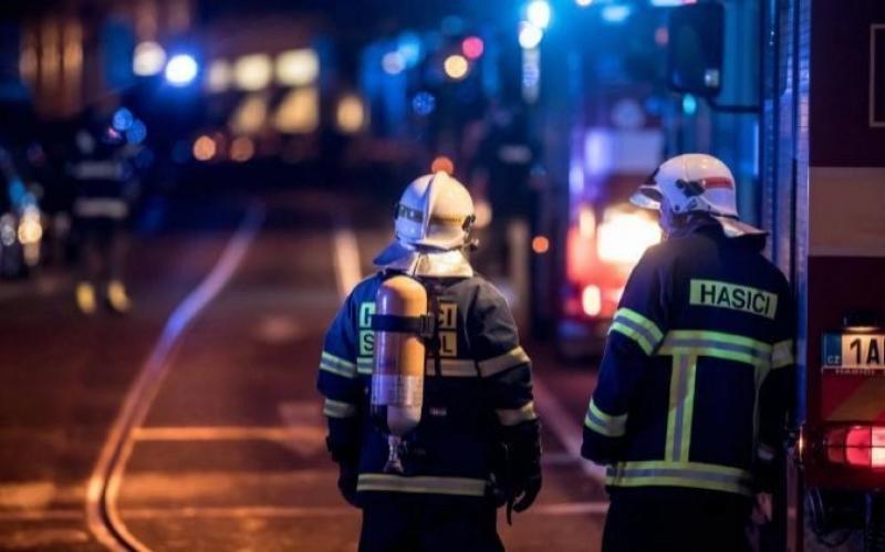El incendio se dió por extinguido en la noche de ayer. Foto: Efe.