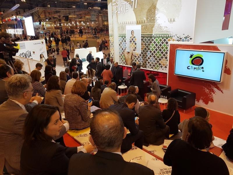 El debate sobre el Brexit organizado por Turespaña en Fitur congregó un numeroso público