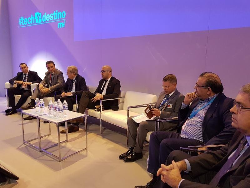 Debate con alcaldes de municipios turísticos en Fitur 2018