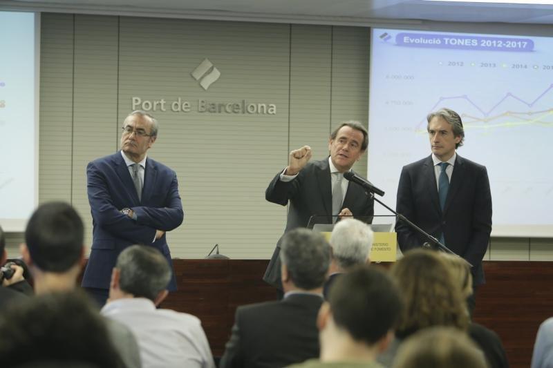 Barcelona cierra 2017 con 1% más de cruceristas y un récord de pasajeros