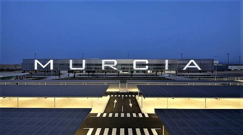 Constituyen la sociedad gestora del Aeropuerto Internacional de Murcia