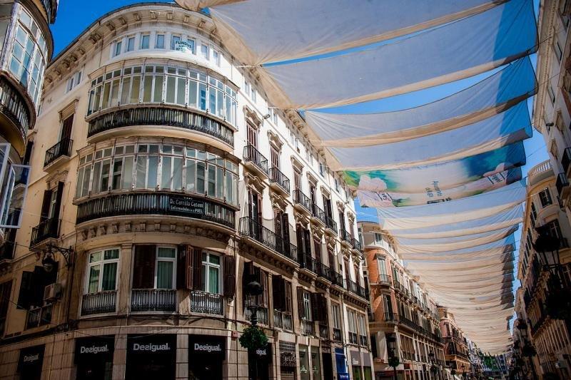 Málaga, destino urbano donde más crece la demanda de apartamentos