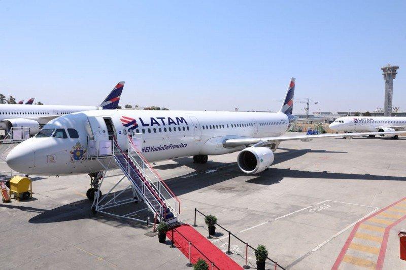 LATAM Airlines presentó el avión que transportará al Papa Francisco
