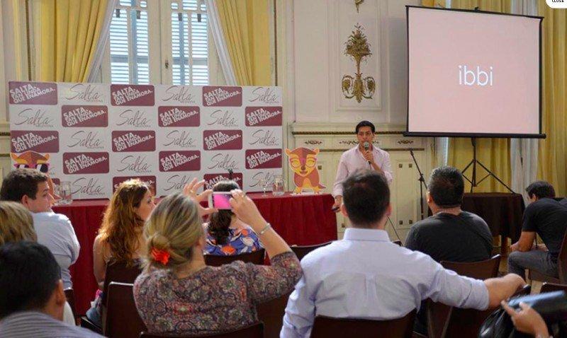 La presentación estuvo a cargo del director ejecutivo del emprendimiento Nacionbot, Sergio IRamos.