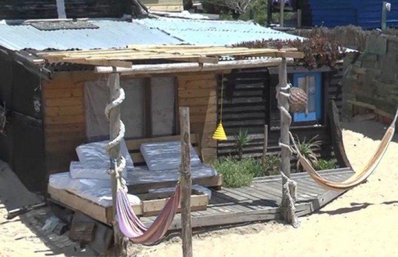 El hostel Buena Vista de Valizas fue clausurado por la Intendencia de Rocha. Foto: Subrayado.