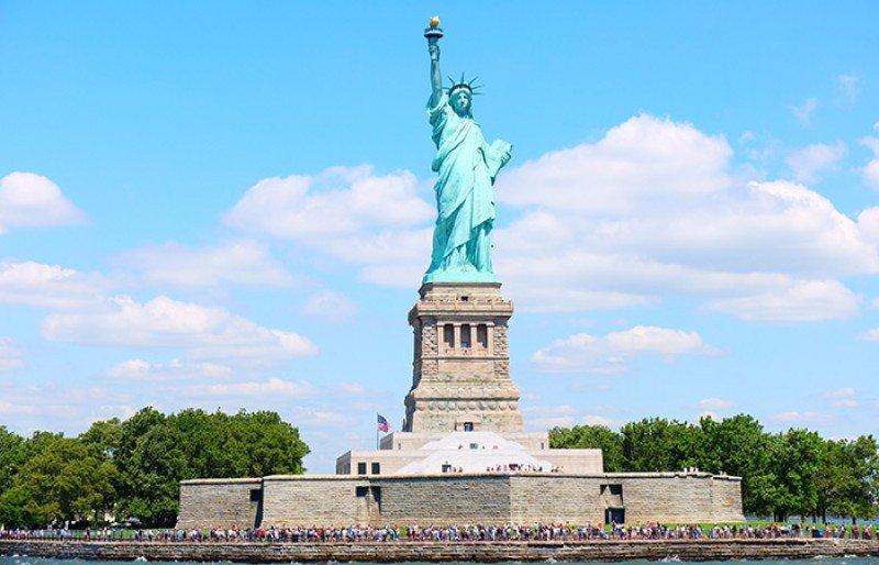 Nueva York abrirá Estatua de la Libertad pese a cierre parcial del Gobierno