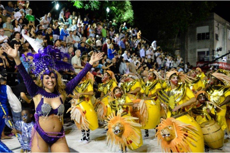 Montevideo, destino tradicional de Carnaval. Foto: Montevideo.gub