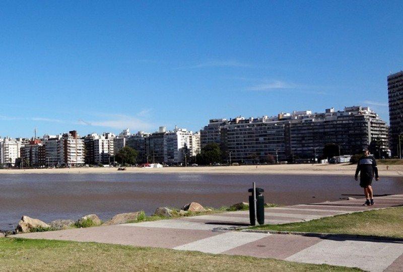 Playa Pocitos, Montevideo, una de las que avanzará en certificación ambiental. Foto: J. Lyonnet.