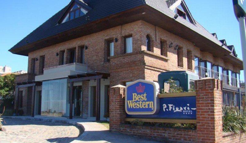 Hotel Best Western Pedro Figari, en la rambla de Montevideo.