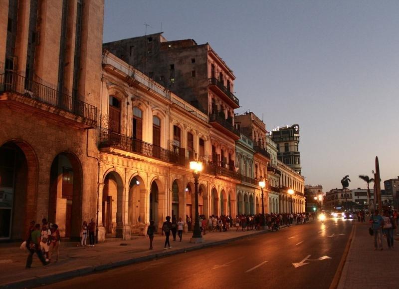Cuba recupera poco a poco visitantes tras la caída de final de año