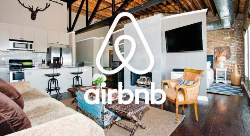 Airbnb se queda sin director financiero y aplaza su salida a Bolsa