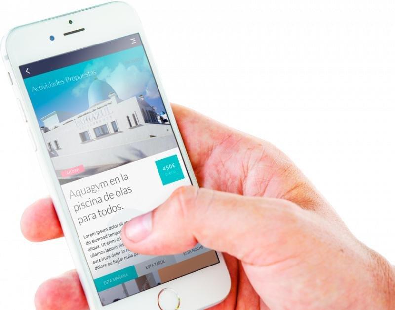 Oooommm es una app móvil que ofrece al cliente información de las propuestas de ocio y servicios del hotel y su entorno, además de funcionar como una aplicación de gestión hotelera.